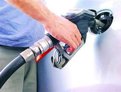 Benzine yeni bir zam daha!..