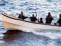 Aden'de Türk gemisine saldırı püskürtüldü