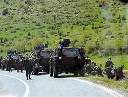 Şemdinli'de 4 asker hayatını kaybetti