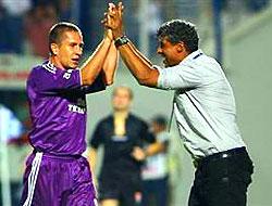 """Rijkaard: """"Maçı ikinci yarıda bitirdik"""""""