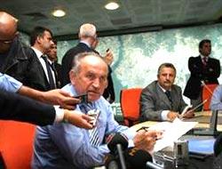 "Topbaş kızgın: ""Ruhsatları CHP vermiş!"""
