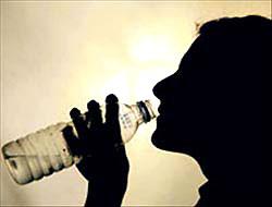 Pet su şişeleri tehlikeli!