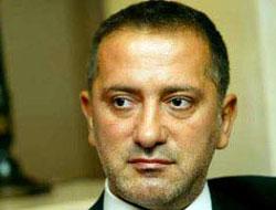 Taraf yazarı Altaylı'yı bombaladı