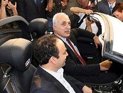 Belediye Başkanı ve Vali yanyana oturdu
