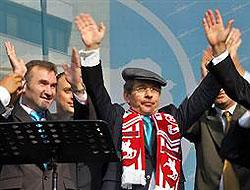 Şener ilk mitinginde Erdoğan'a yüklendi