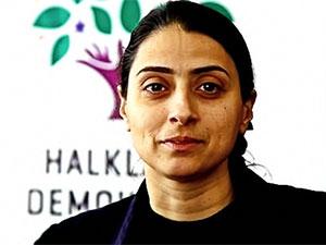 HDP Milletvekili Feleknas Uca gözaltına alındı