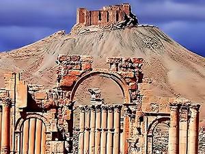 'Suriye birlikleri Palmira'da' iddiası