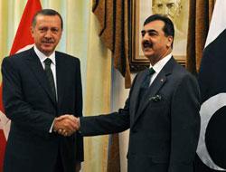Pakistan'da darbeyi Erdoğan mı önlüyor?