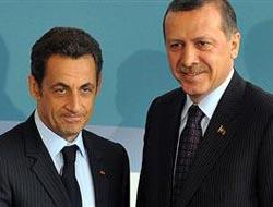 """The Guardian: ''Sarkozy dostunuz değil mi?"""""""