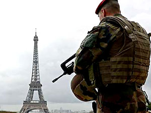 Fransa'da OHAL 1 Kasım'a kadar uzatıldı