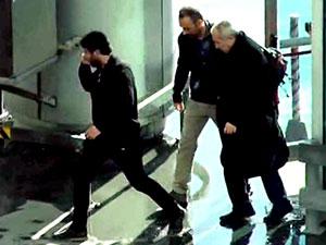 Akın Atalay havaalanında gözaltına alındı