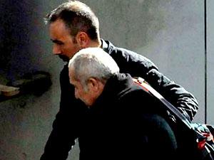 Cumhuriyet gazetesi yöneticisi Akın Atalay tutuklandı