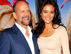 Var mısın Yok musun'da Bruce Willis rüzgarı