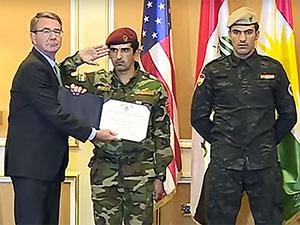 ABD Savunma Bakanı Peşmerge'ye cesaret plaketi verdi