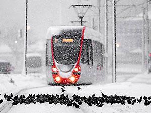 İstanbul'da kar kalınlığı 40 santimetreyi buldu