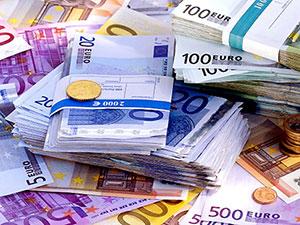 Euro 4 lirayı aştı