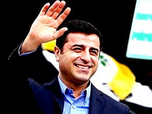 Demirtaş, HDP'de yeniden eş başkan adayı