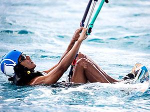 Obama'nın Karayipler'de sörf keyfi