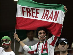 İran Milli Takımı'ndan Ahmedinecad'a gol!