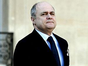 Fransa İçişleri Bakanı yolsuzluk iddiaları üzerine istifa etti