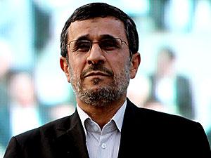 Ahmedinejad, Hamaney'e rağmen aday oldu