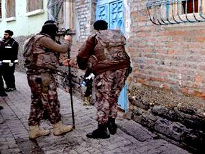 Diyarbakır'da 500 polisle uyuşturucu operasyonu