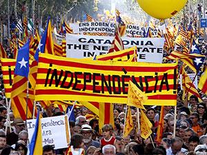 Katalan referandumu askıya alındı