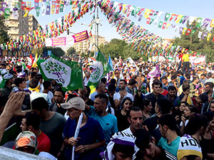 HDP'den Diyarbakır'da vicdan ve adalet mitingi