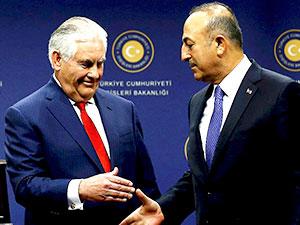 Çavuşoğlu, ABD'li mevkidaşı Tillerson'la görüştü