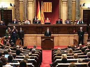 Katalan lider bağımsızlık ilanını erteledi