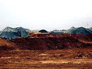 Habur'da tankların üzeri branda ile kapatıldı