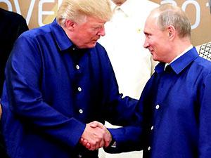 Trump ve Putin yan yana poz verdi