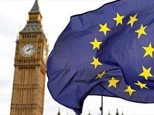 İngiltere'de pasaport tartışması