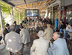 """Diyarbakır """"açılım"""" oturumunu izliyor"""