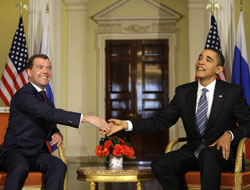 Obama ve Medvedev 'İran'ı konuştu