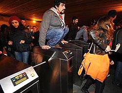 Metrobüs zammına ilginç protesto