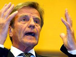 Kouchner: Minare yasağı hoşgörüsüzlük