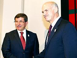 Davutoğlu, Papandreu ile görüştü