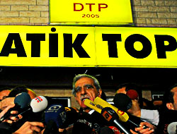 DTP Meclis'ten çekildi