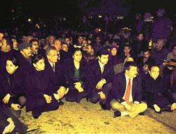 Diyarbakır'daki oturma eylemi sürüyor