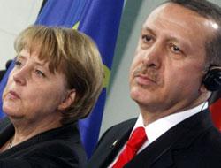 Erdoğan bana Angela der