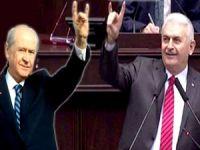 Bahçeli: Bozkurt işareti Başbakan'ın eline yakıştı