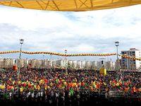 Diyarbakır'da Newroz coşku ile kutlandı