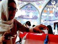 İranlılar cumhurbaşkanını seçmek için sandık başında