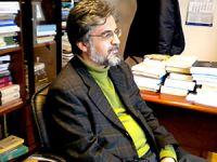Yeni Şafak yazarı Akif Emre hayatını kaybetti