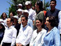 HDP parkta grup toplantısı düzenledi