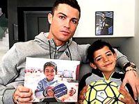 Ronaldo: Suriyeli çocukları unutmayın