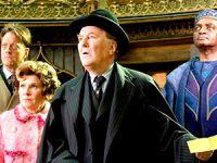 Ünlü aktör Robert Hardy hayatını kaybetti