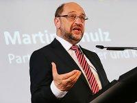 Schulz: Erdoğan ölçüyü iyice kaçırdı