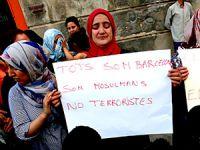 Barcelona'daki Müslümanlardan terör karşıtı eylem